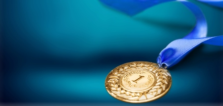 Photo pour Gold medal with  ribbon  on  background - image libre de droit