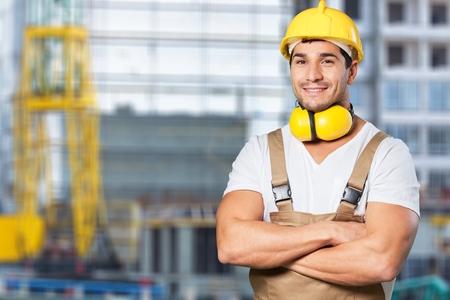 Photo pour Builder with yellow helmet - image libre de droit