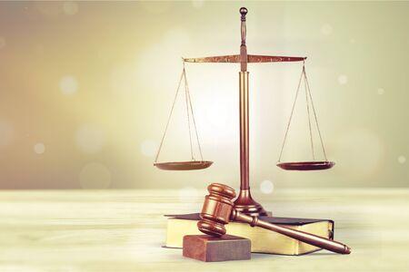 Photo pour Wooden judge hammer on book with copyspace. - image libre de droit