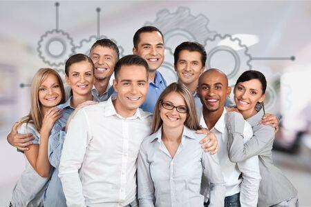 Photo pour Portrait of Smiling Business People - image libre de droit