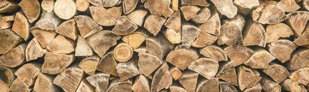 Photo pour panorama. pattern of firewood. light wooden background - image libre de droit