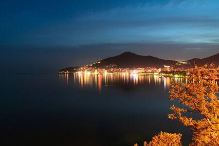 Photo pour View of Budva in autumn evening, Montenegro - image libre de droit