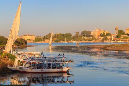 Photo pour Luxor, Egypt - December 11, 2019: View of the Nile river in Luxor, Egypt - image libre de droit