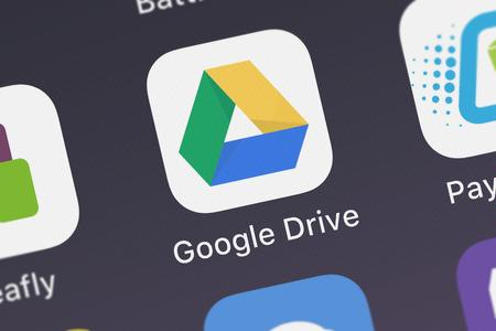 Photo pour London, United Kingdom - September 29, 2018: Screenshot of the Google Drive mobile app from Google, Inc. icon on an iPhone. - image libre de droit