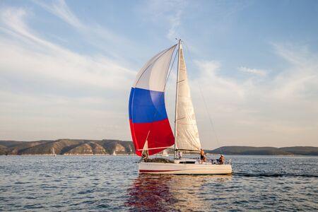 Photo pour sailing yacht - image libre de droit
