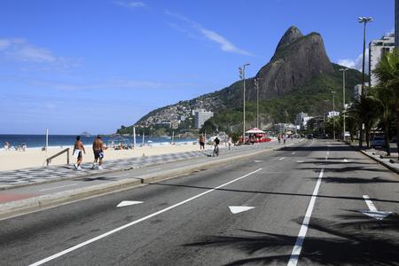 Foto de view of leblon beach in rio de janeiro brazil - Imagen libre de derechos