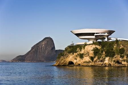 Photo pour Museum of contemporary art in niteroi near rio de janeiro in brazil - image libre de droit