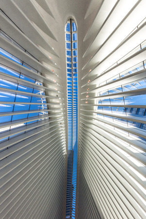 Photo pour interior view of The Occulus World Trade Center station  design by architect  Manhattan Landmarks in New York City USA - image libre de droit