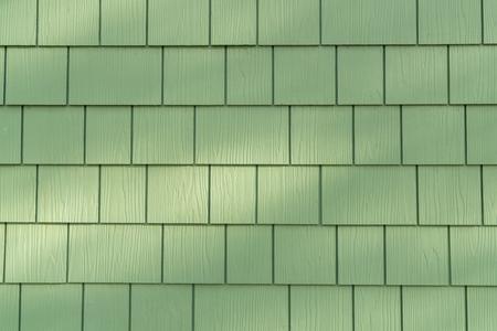 Photo pour Background of Wall with Green Cedar Shingles - image libre de droit