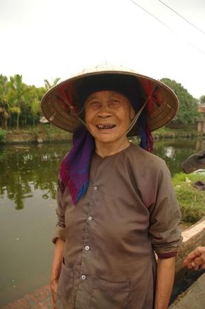 Le chapeau conique is the coiffe incontournable des gens