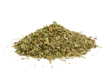 Photo pour Pile of dried oregano leaves isolated on white background - image libre de droit