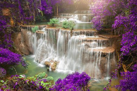 Foto de Beautiful waterfall in autumn forest, deep forest waterfall, Kanchanaburi province, Thailand - Imagen libre de derechos