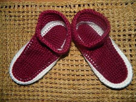 Warm knitted maroon with white cozy warm house slippers