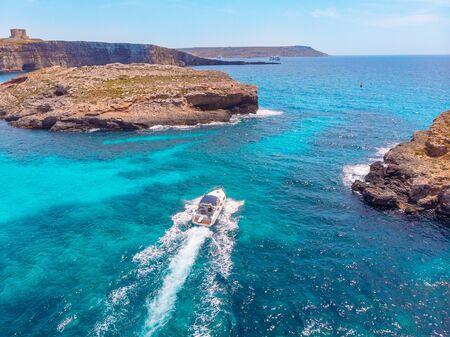 Photo pour Panorama beach Blue Lagoon Comino Malta. Aerial view - image libre de droit