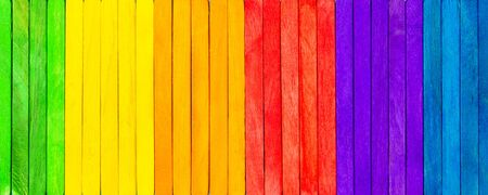 Foto de Banner with colorful wooden picks, concept spectrum, panoply and chromatics, pattern background - Imagen libre de derechos
