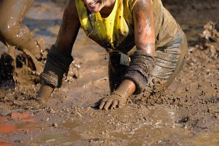 Foto de Mud race runners - Imagen libre de derechos