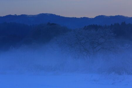 Photo pour Snow scapes in winter - image libre de droit
