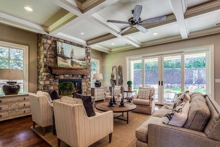 Photo pour Great family room to enjoy company. - image libre de droit