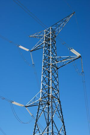 Photo pour Power line and clear sky in Zaragoza province, Aragon in Spain. - image libre de droit