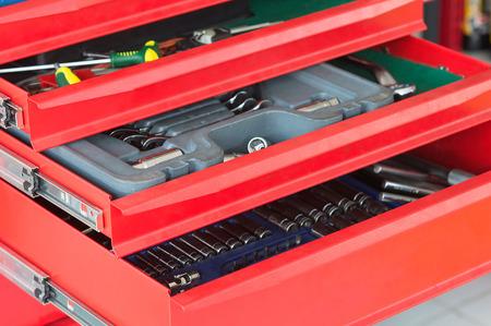 Photo pour red tool drawer - image libre de droit