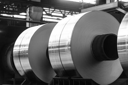Photo pour aluminum coils hoping to continue the process - image libre de droit
