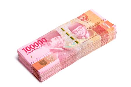 Foto für A stack of new 100.000 IDR (Indonesian Rupiah) bills, isolated on white background - Lizenzfreies Bild