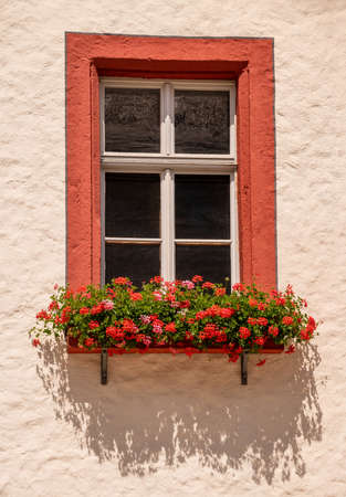 Photo pour Red Framed Window at the Town hall of Marktredwitz - image libre de droit
