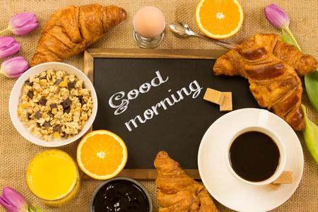 Photo pour breakfast table with the Message - image libre de droit