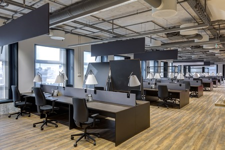 Foto de Large modern office with open space to work - Imagen libre de derechos