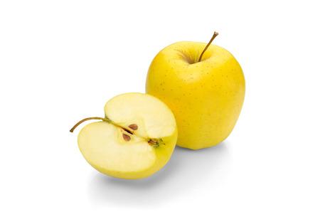 Photo pour Golden Delicious apple on a white background - image libre de droit