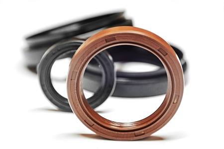Oil seal with shallow depth of field