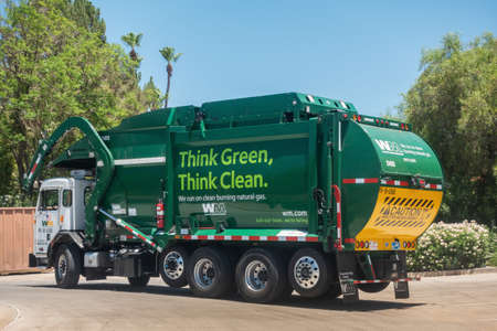 Photo pour Scottsdale,AZ/USA - 7.4.19: Waste Management Inc, is an American waste management, & environmental services company in North America, founded in 1968, the company is headquartered in Houston, Texas. - image libre de droit