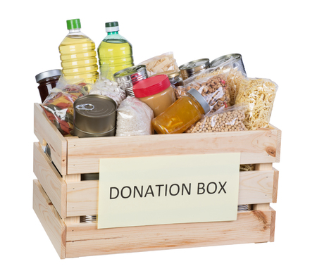 Photo pour Food donations box isolated on white background - image libre de droit