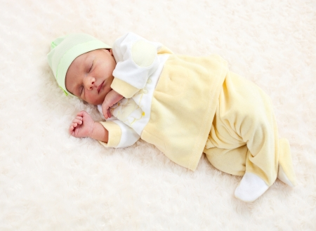 Photo pour One week old baby boy asleep - image libre de droit