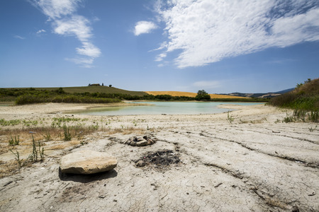Foto per Val d'Orcia lake - Immagine Royalty Free