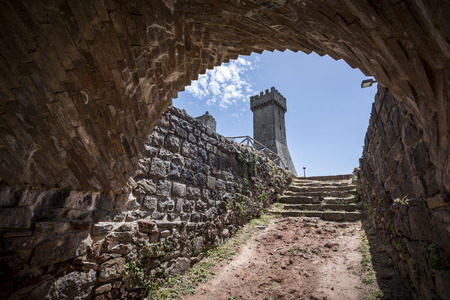 Foto per Tunnel to Fortress of Radicofani, Rock castle in Val d'Orcia - Immagine Royalty Free
