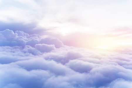 Foto de Sunny sky abstract background, beautiful cloudscape, on the heaven, view over white fluffy clouds, freedom concept - Imagen libre de derechos