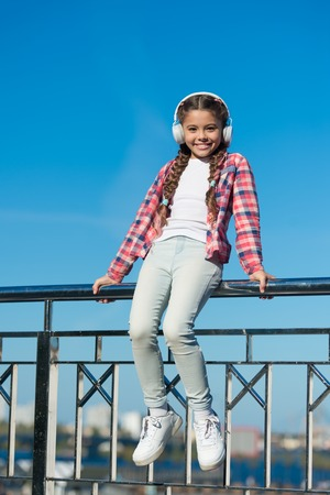 Enjoy sound. Make your kid happy with best rated kids headphones available right now.