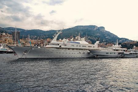 Photo pour Luxury yachts in Monaco Monte Carlo harbor at day. cruise ship. France - image libre de droit