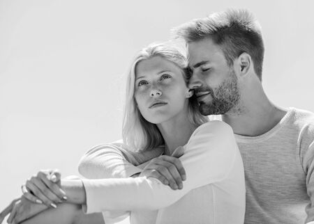 Foto de Being in love. understanding and support. romantic relationship. couple in love. married in heaven. man and girl smiling. he make her happy. happy to be together. they love each other - Imagen libre de derechos