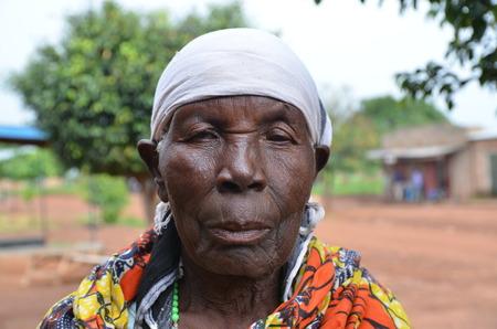 Foto per Donna anziana Alur, West Nile, Uganda - Immagine Royalty Free