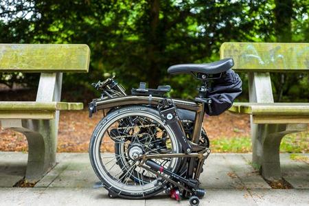 Photo pour Hamburg, Germany - July 14, 2018: The Brompton black lacquer edition bike in Hamburg. - image libre de droit