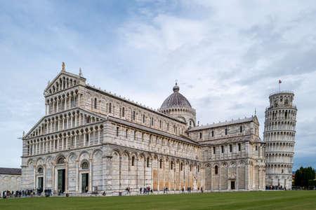 Photo pour The leaning Tower in Pisa - image libre de droit
