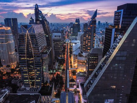 Photo pour Ploenchit view from above in Bangkok in Thailand - image libre de droit