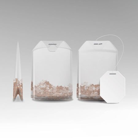 Illustration pour Realistic Tea Bag Teabag With Empty White Label. Isolated Vector Illustration - image libre de droit