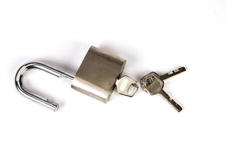 Photo pour the Mealic padlock with the key on white background - image libre de droit