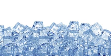 Photo pour Ice cubes isolated on a white background - image libre de droit