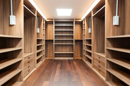 Photo pour wide wooden dressing room, interior of a modern house - image libre de droit