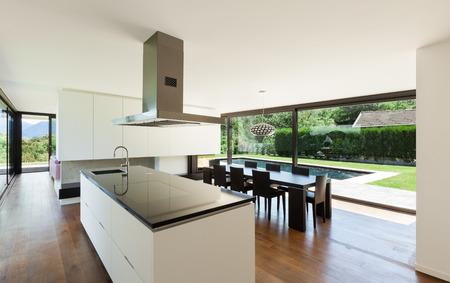 Photo pour Modern villa, interior, beautiful kitchen - image libre de droit