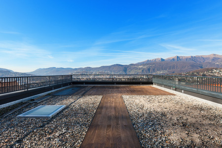 Photo pour external of a modern house, large roof terrace - image libre de droit